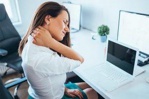 Chứng đau mỏi vai gáy ở dân văn phòng