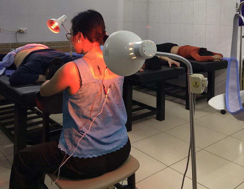 điều trị đau cổ gáy